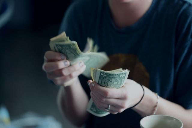 Comment rédiger une relance pour une facture impayée?